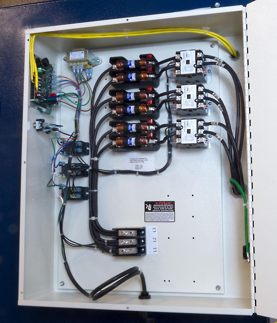 feature easy load panel inside 950_2 l&l electric kilns