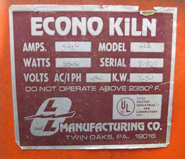 Photo of L&L Manufacturing Co Data Nameplate
